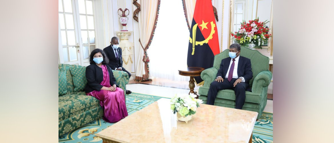 Ms Pratibha Parkar, Ambassador presented her Credentials to H.E. Joao Manuel Goncalves Lourenco, President of the Republic of Angola on October 22 in a formal ceremony at the Presidential Palace in Luanda.